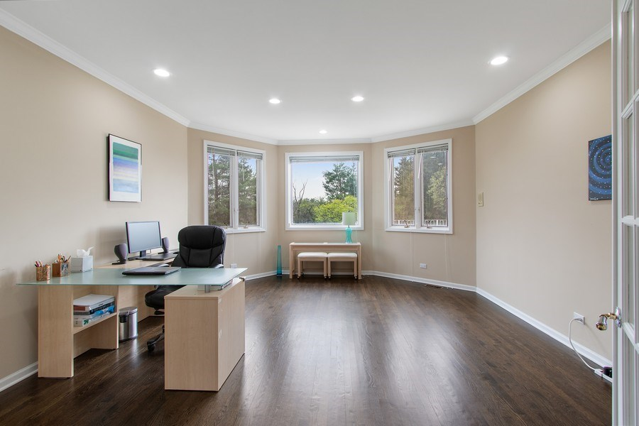 Real Estate Photography - 309 Dundee Road, Barrington, IL, 60010 - Office