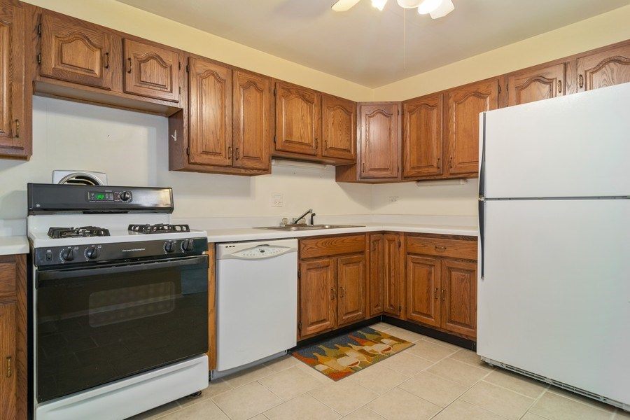 Real Estate Photography - 525 S. Cleveland #204, Arlington Heights, IL, 60005 - Kitchen