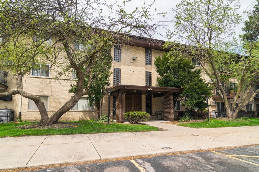 Real Estate Photography - 525 S. Cleveland #204, Arlington Heights, IL, 60005 - Front View