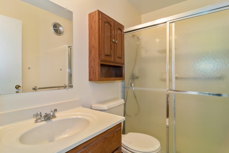 Real Estate Photography - 525 S. Cleveland #204, Arlington Heights, IL, 60005 - Hall Bathroom