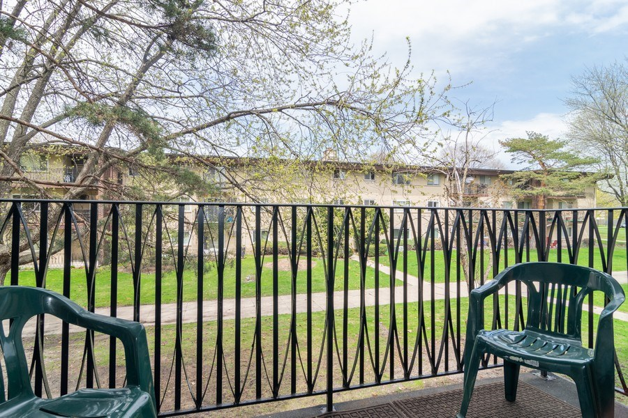 Real Estate Photography - 525 S. Cleveland #204, Arlington Heights, IL, 60005 - Balcony