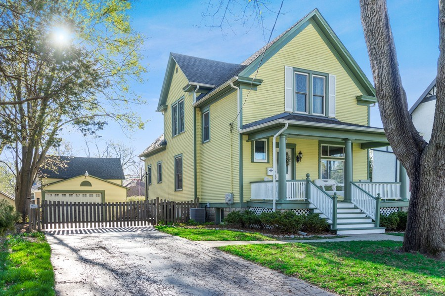 Real Estate Photography - 305 N Plum Grove Road, Palatine, IL, 60067 - Front View