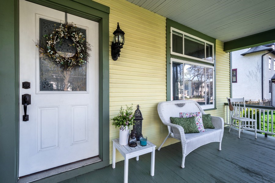 Real Estate Photography - 305 N Plum Grove Road, Palatine, IL, 60067 - Porch