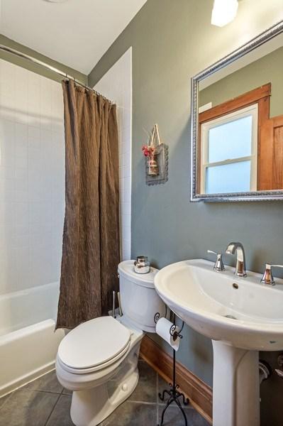 Real Estate Photography - 305 N Plum Grove Road, Palatine, IL, 60067 - Bathroom