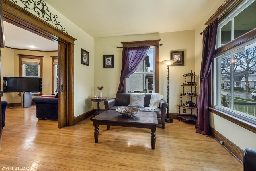 Real Estate Photography - 305 N Plum Grove Road, Palatine, IL, 60067 -