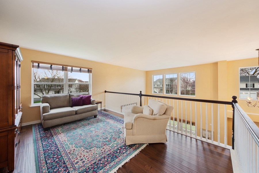 Real Estate Photography - 1320 Mayfair Ln, Grayslake, IL, 60030 - Loft