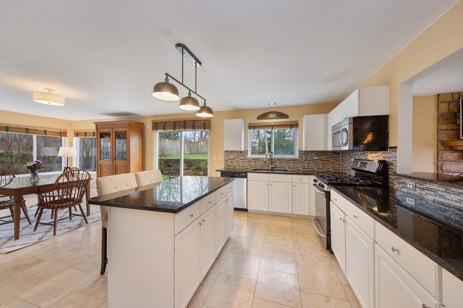 Real Estate Photography - 1320 Mayfair Ln, Grayslake, IL, 60030 - Kitchen