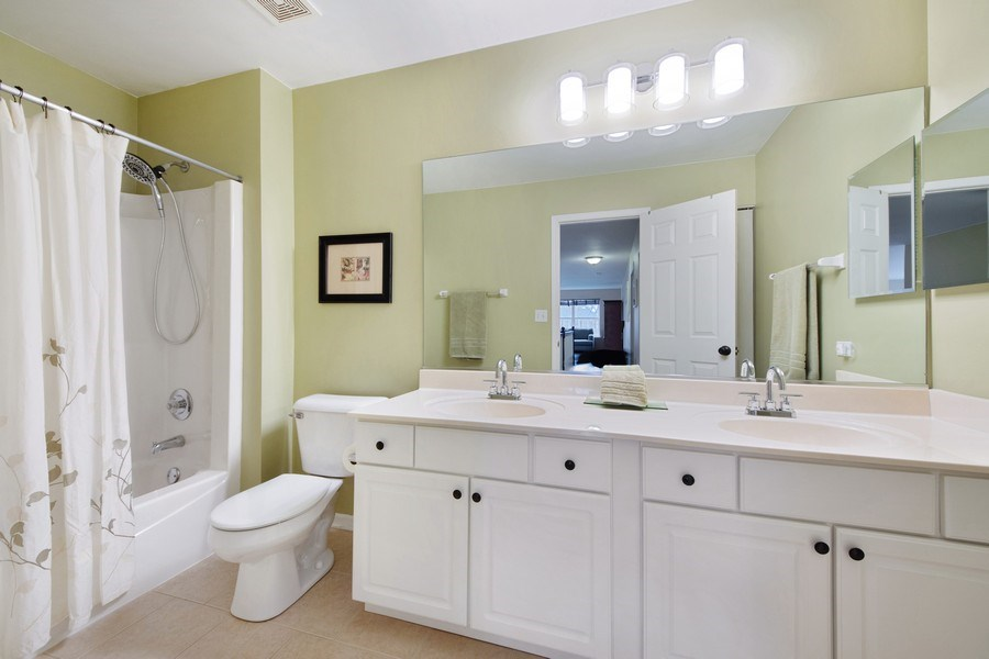 Real Estate Photography - 1320 Mayfair Ln, Grayslake, IL, 60030 - 2nd Bathroom