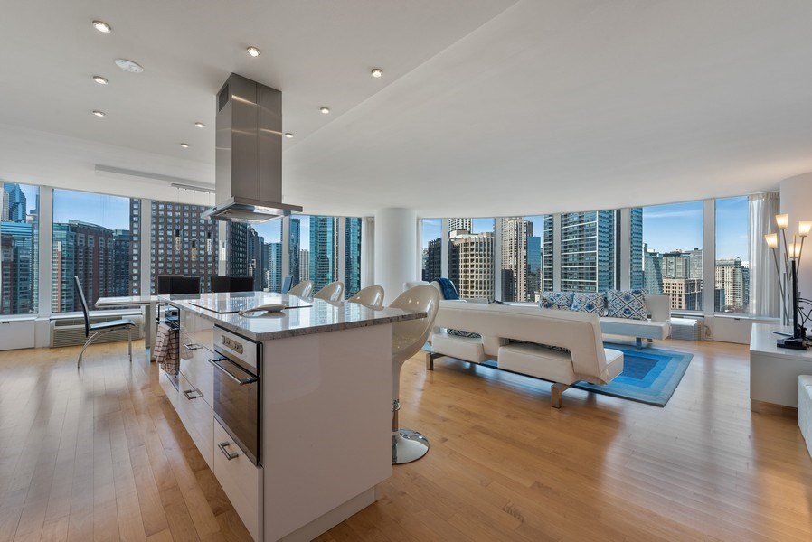 Real Estate Photography - 505 N. Lake Shore Drive, #2511, Chicago, IL, 60611 - Entryway