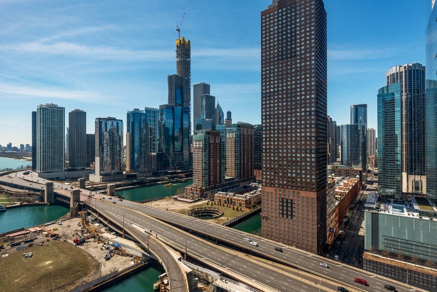 Real Estate Photography - 505 N. Lake Shore Drive, #2511, Chicago, IL, 60611 - River View