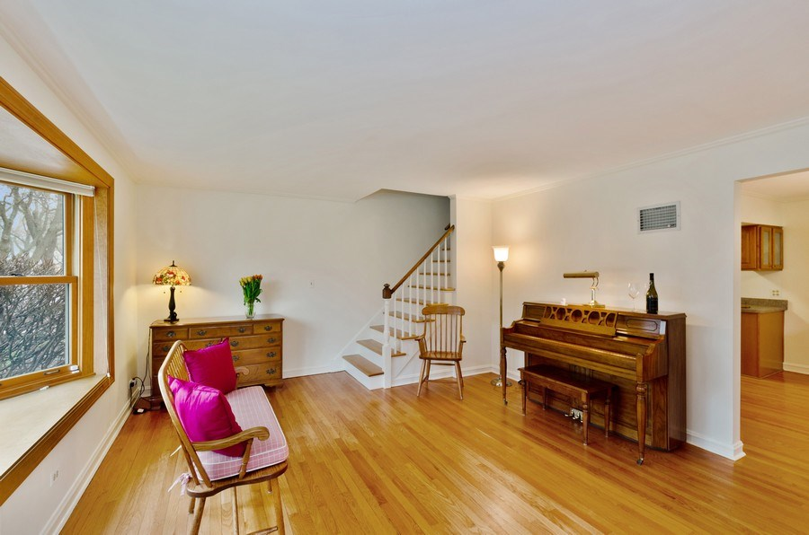 Real Estate Photography - 745 S. Mitchell Ave., Arlington Heights, IL, 60005 - Living Room
