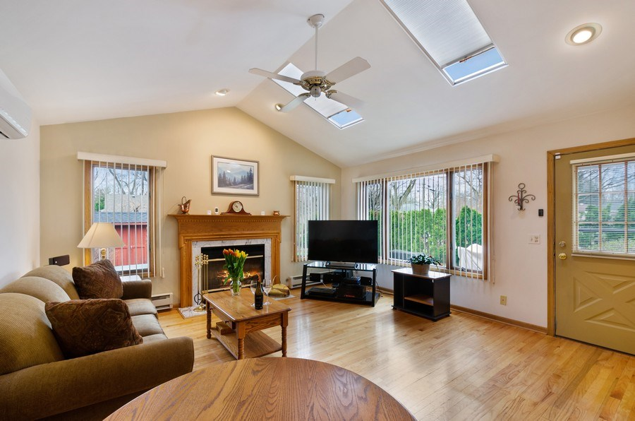 Real Estate Photography - 745 S. Mitchell Ave., Arlington Heights, IL, 60005 - Family Room