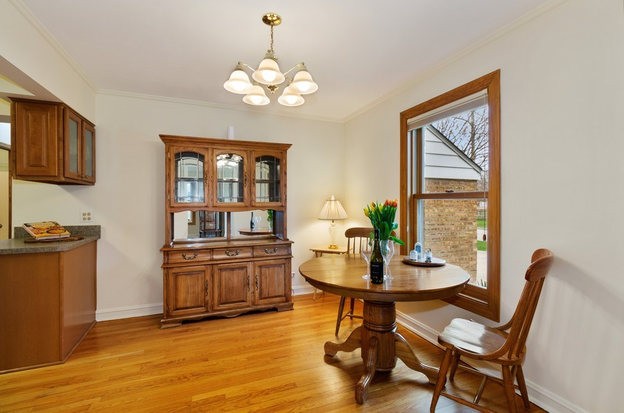 Real Estate Photography - 745 S. Mitchell Ave., Arlington Heights, IL, 60005 - Dining Area