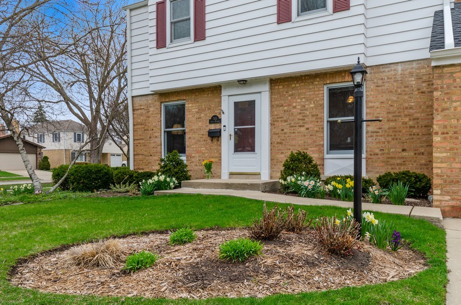 Real Estate Photography - 745 S. Mitchell Ave., Arlington Heights, IL, 60005 - Front Door