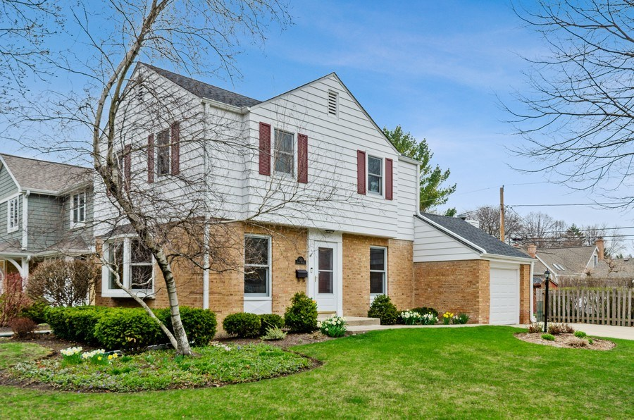 Real Estate Photography - 745 S. Mitchell Ave., Arlington Heights, IL, 60005 - Front View