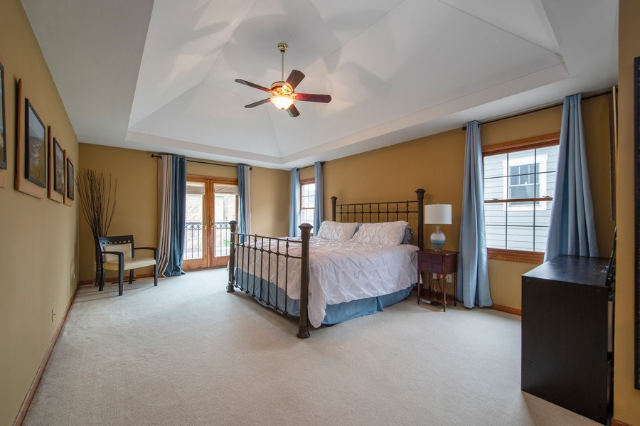 Real Estate Photography - 912 S. Chatham Ave, Elmhurst, IL, 60126 - Master Bedroom