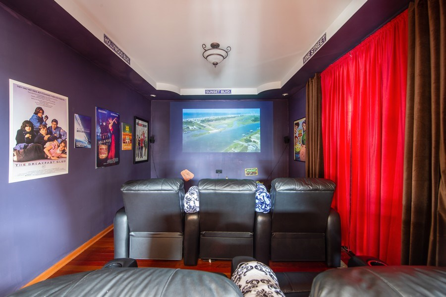 Real Estate Photography - 912 S. Chatham Ave, Elmhurst, IL, 60126 - Media Room
