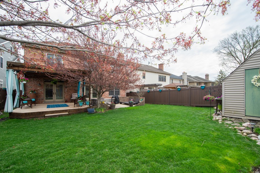 Real Estate Photography - 912 S. Chatham Ave, Elmhurst, IL, 60126 - Back Yard