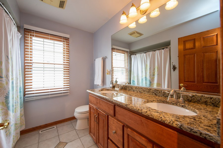 Real Estate Photography - 912 S. Chatham Ave, Elmhurst, IL, 60126 - Bathroom