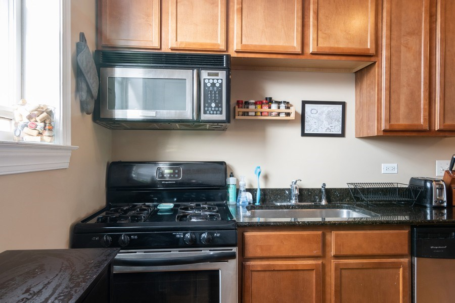 Real Estate Photography - 1323 W. Lawrence, Unit 2, Chicago, IL, 60640 - Kitchen