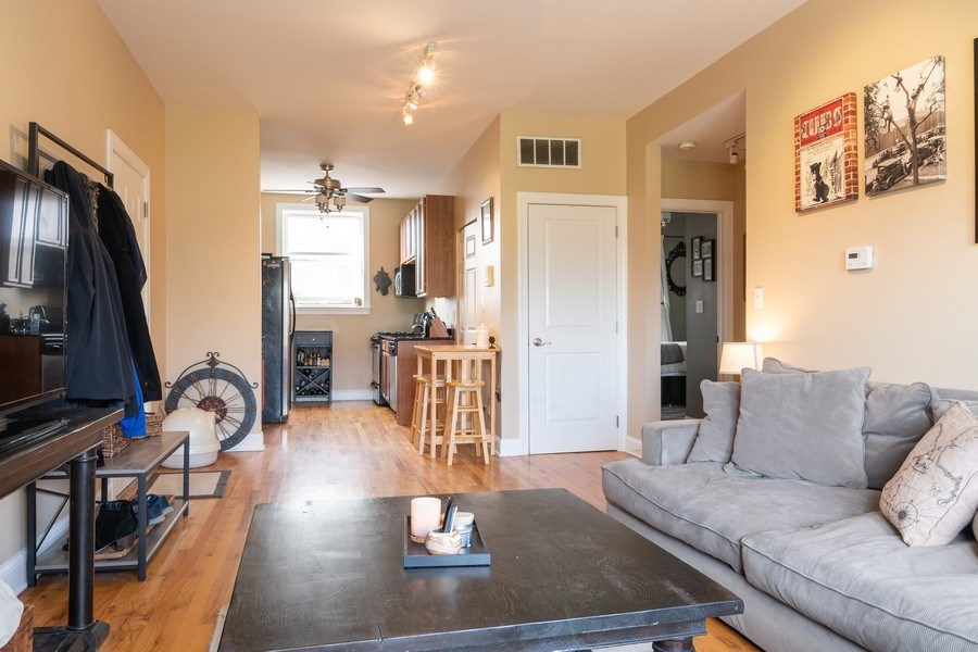 Real Estate Photography - 1323 W. Lawrence, Unit 2, Chicago, IL, 60640 - Kitchen / Living Room