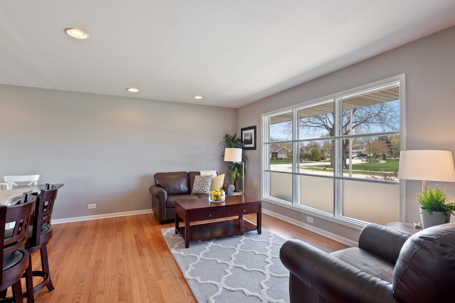 Real Estate Photography - 1423 W Roanoke, Arlington Heights, IL, 60004 - Living Room