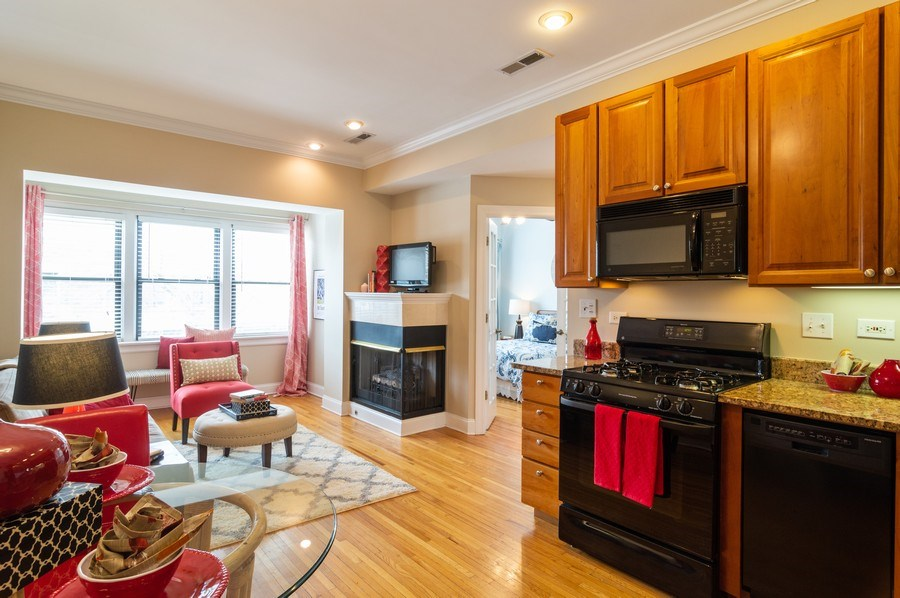 Real Estate Photography - 1344 West Irving Park Rd, 2N, Chicago, IL, 60613 - Kitchen / Living Room