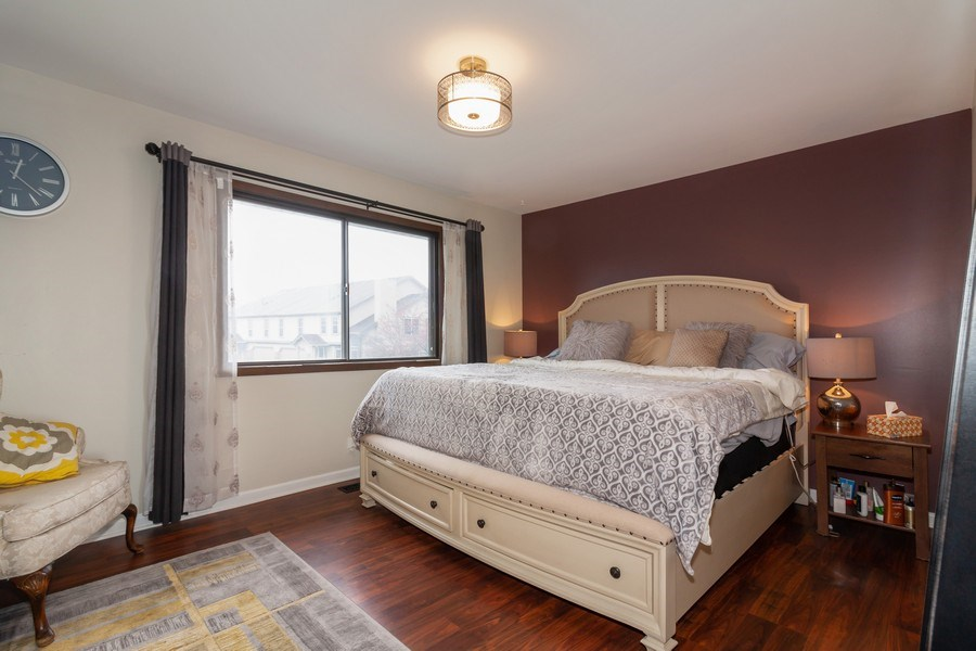 Real Estate Photography - 2s771 Winchester Circle East, #4, Warrenville, IL, 60555 - Bedroom