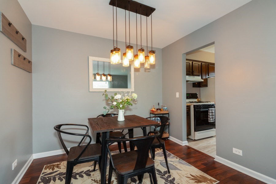 Real Estate Photography - 2s771 Winchester Circle East, #4, Warrenville, IL, 60555 - Dining Area