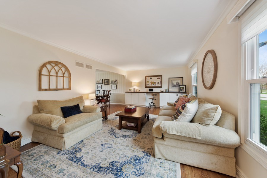 Real Estate Photography - 610 E Independence, Arlington Heights, IL, 60005 - Living Room