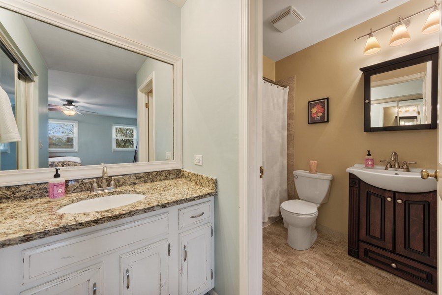 Real Estate Photography - 610 E Independence, Arlington Heights, IL, 60005 - Master Bathroom
