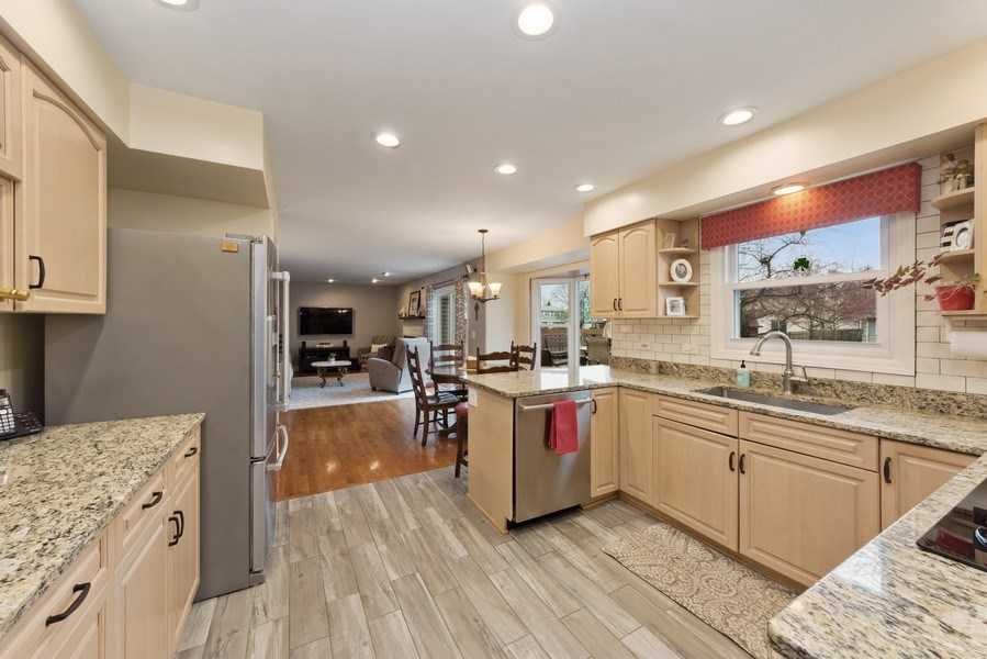 Real Estate Photography - 610 E Independence, Arlington Heights, IL, 60005 - Kitchen