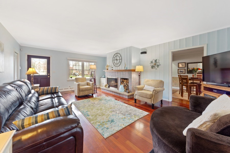 Real Estate Photography - 1105 W Campbell, Arlington Heights, IL, 60004 - Living Room