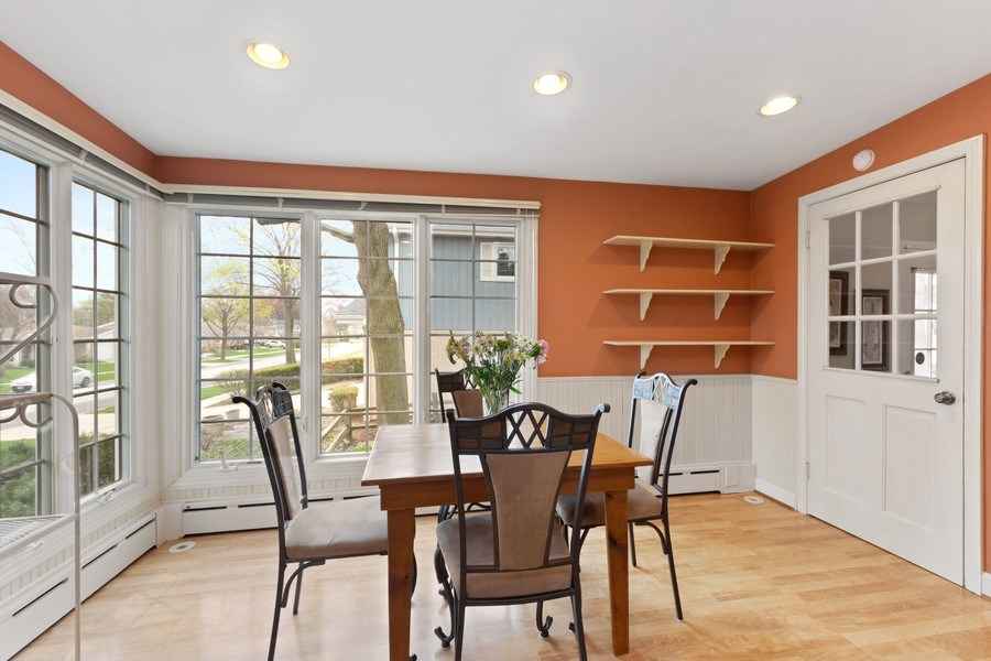 Real Estate Photography - 1105 W Campbell, Arlington Heights, IL, 60004 - Breakfast Area