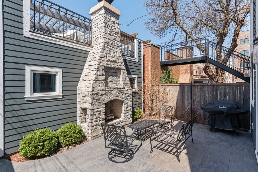 Real Estate Photography - 3336 N Claremont Ave, Chicago, IL, 60618 - Patio