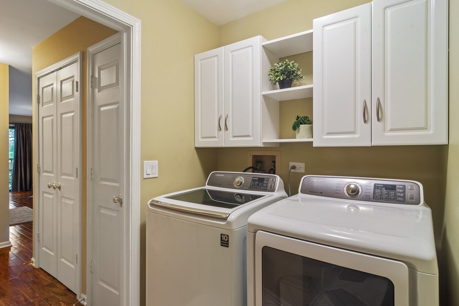 Real Estate Photography - 55 Waterview ct., Lake Barrington, IL, 60010 - Laundry Room