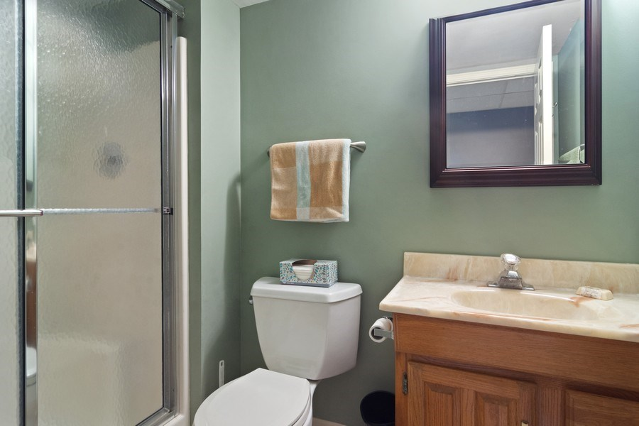 Real Estate Photography - 55 Waterview ct., Lake Barrington, IL, 60010 - 2nd Bathroom