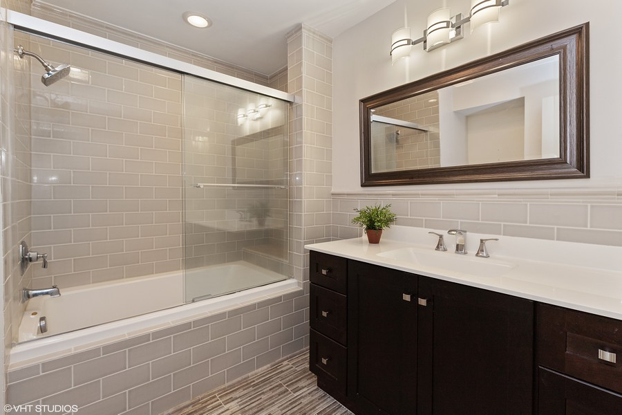 Real Estate Photography - 55 Waterview ct., Lake Barrington, IL, 60010 - Master Bath