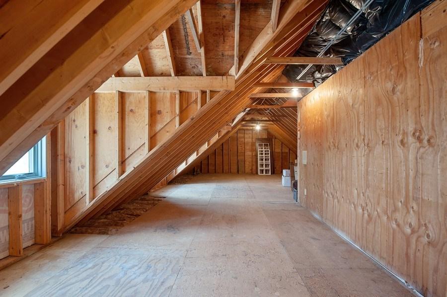 Real Estate Photography - 209 Northampton Lane, Lincolnshire, IL, 60069 - Attic