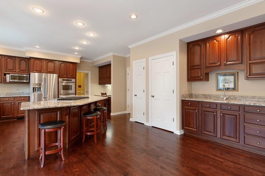 Real Estate Photography - 209 Northampton Lane, Lincolnshire, IL, 60069 - Kitchen