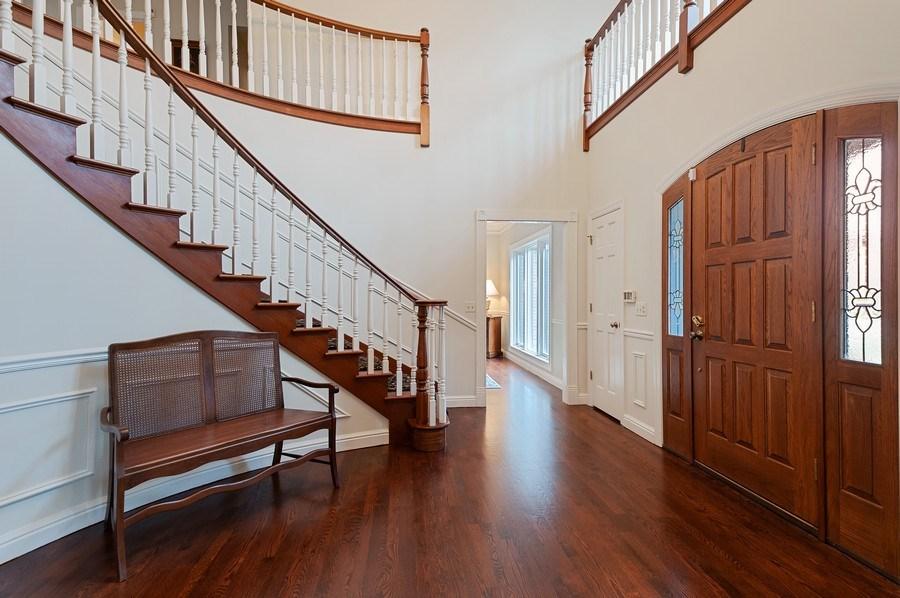 Real Estate Photography - 209 Northampton Lane, Lincolnshire, IL, 60069 - Staircase