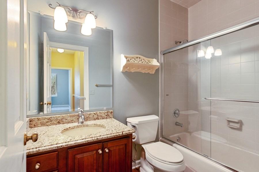 Real Estate Photography - 209 Northampton Lane, Lincolnshire, IL, 60069 - 2nd Bathroom