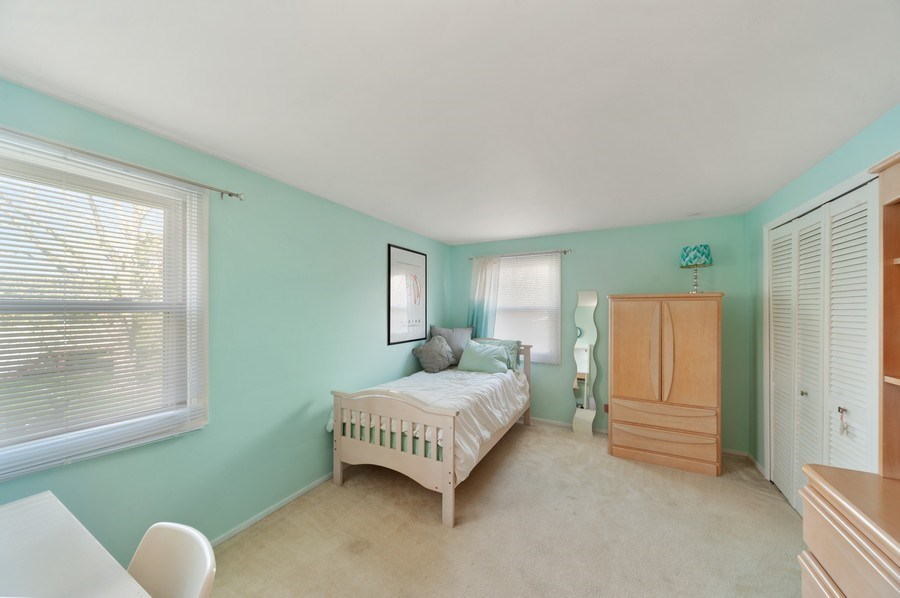 Real Estate Photography - 631 Indian Spring Lane, Buffalo Grove, IL, 60089 - 2nd Bedroom