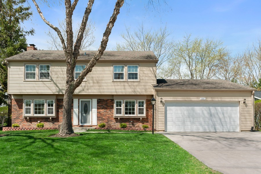 Real Estate Photography - 631 Indian Spring Lane, Buffalo Grove, IL, 60089 - Front View