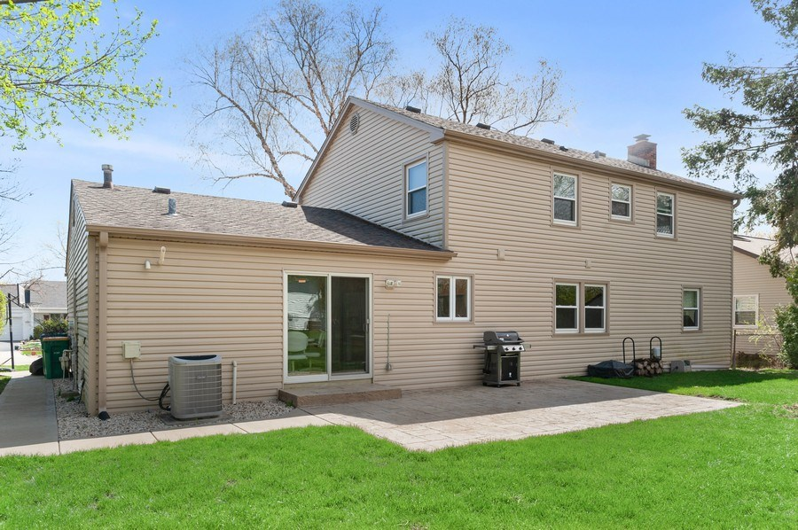 Real Estate Photography - 631 Indian Spring Lane, Buffalo Grove, IL, 60089 - Rear View