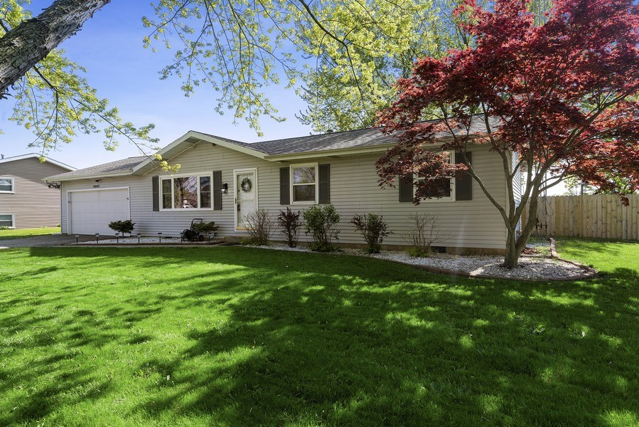 Real Estate Photography - 5993 James Drive, Stevensville, MI, 49127 - Front View