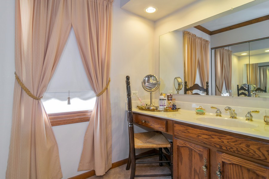 Real Estate Photography - 419 W. Whitehall Dr, Arlington Heights, IL, 60004 - Master Bathroom