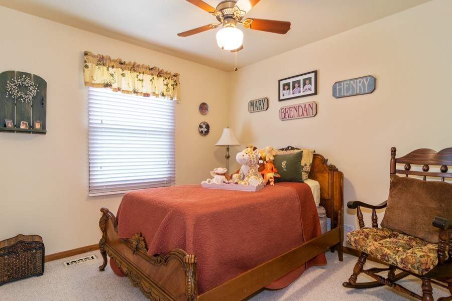 Real Estate Photography - 419 W. Whitehall Dr, Arlington Heights, IL, 60004 - 2nd Bedroom