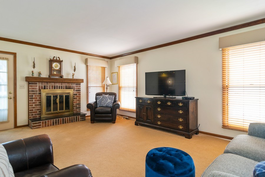 Real Estate Photography - 419 W. Whitehall Dr, Arlington Heights, IL, 60004 - Family Room