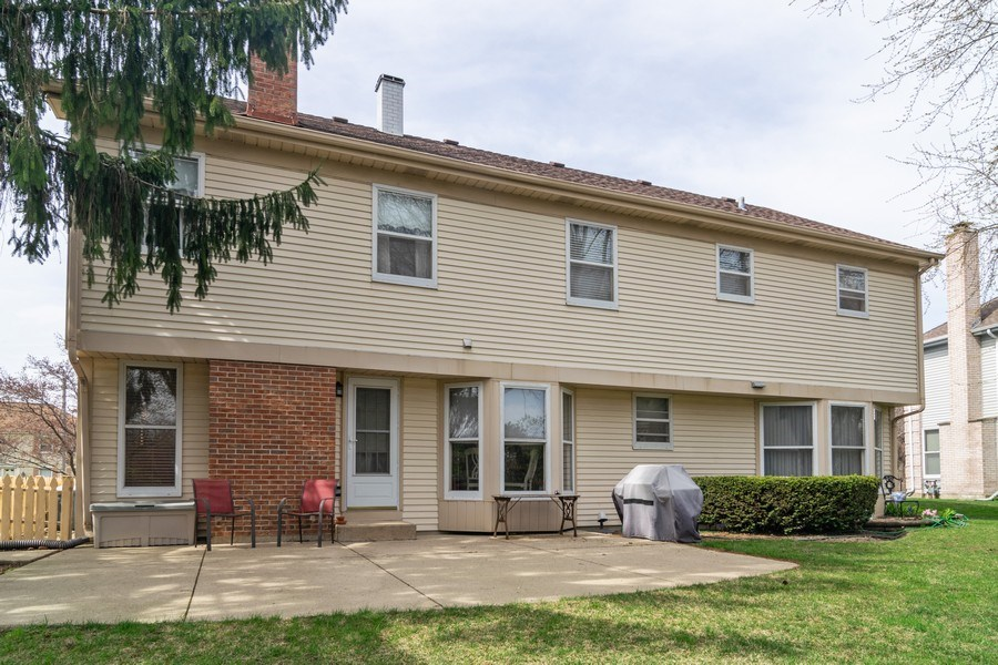 Real Estate Photography - 419 W. Whitehall Dr, Arlington Heights, IL, 60004 - Rear View